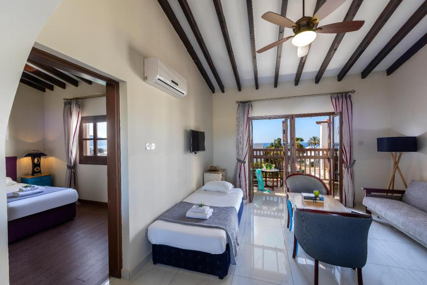 4 Sterne Hotel: Latchi Family Resort - Latchi, Paphos