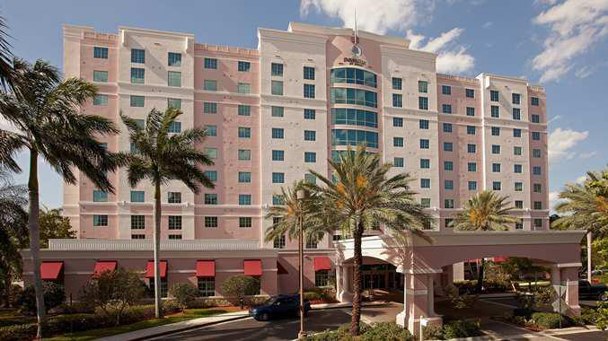 3 Sterne Hotel: DoubleTree by Hilton Sunrise-Sawgrass Mills - Fort Lauderdale, Florida