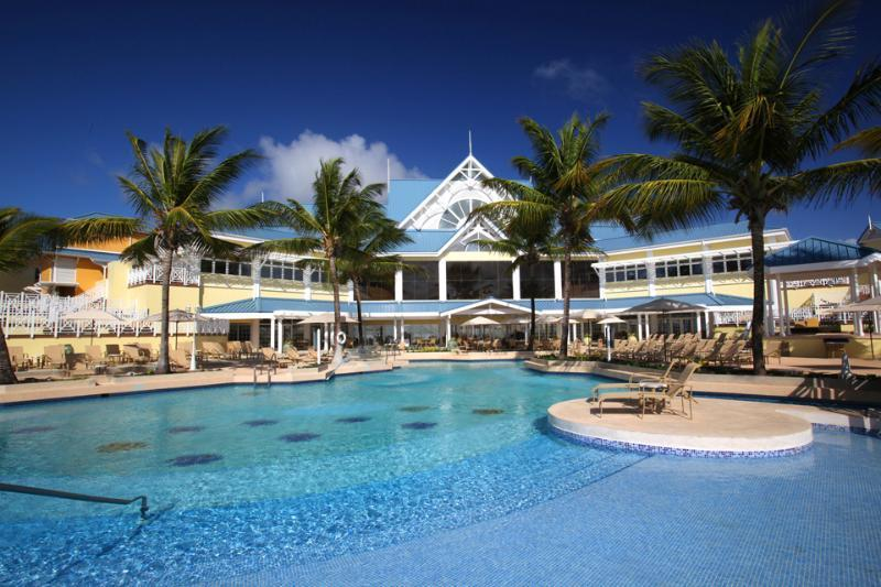 4 Sterne Hotel: Magdalena Grand Beach Resort - Lowlands, Tobago